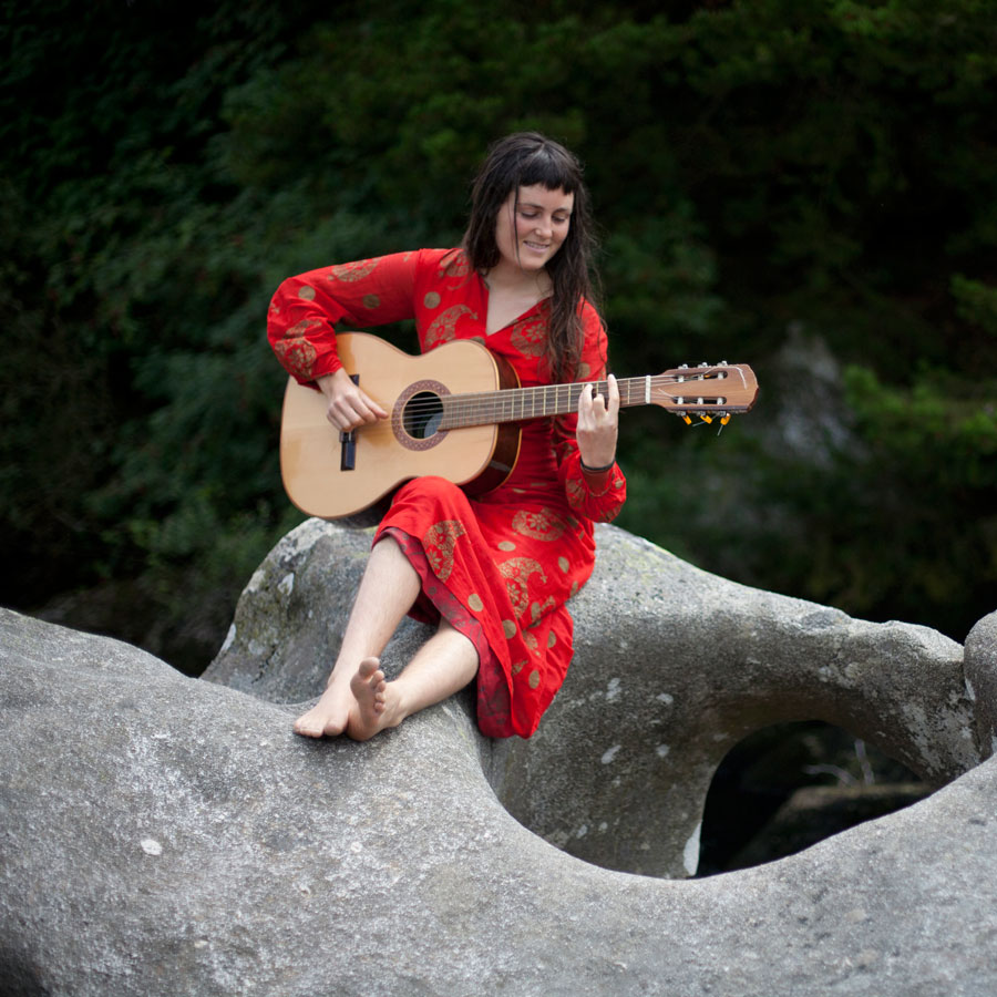 Lua Maria, guitar. Image Supplied by the musician