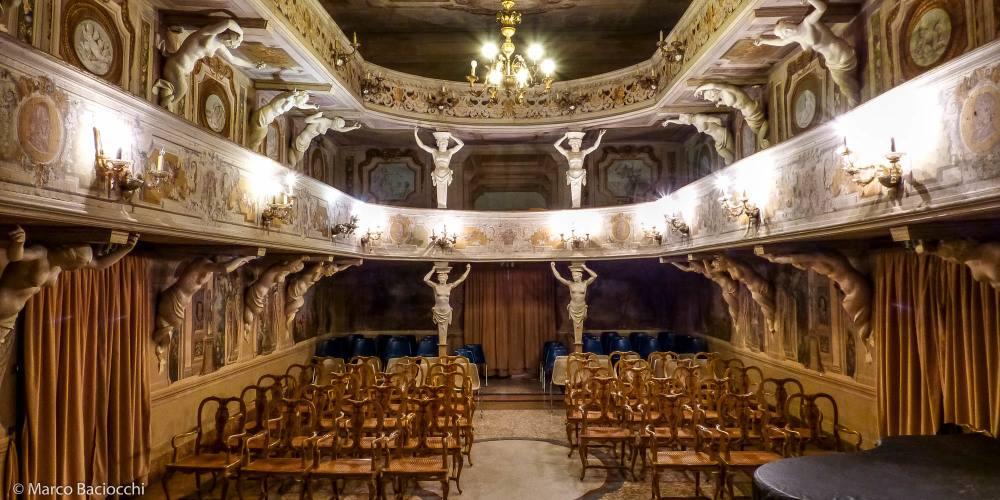 interior teatro Italiano pequeno
