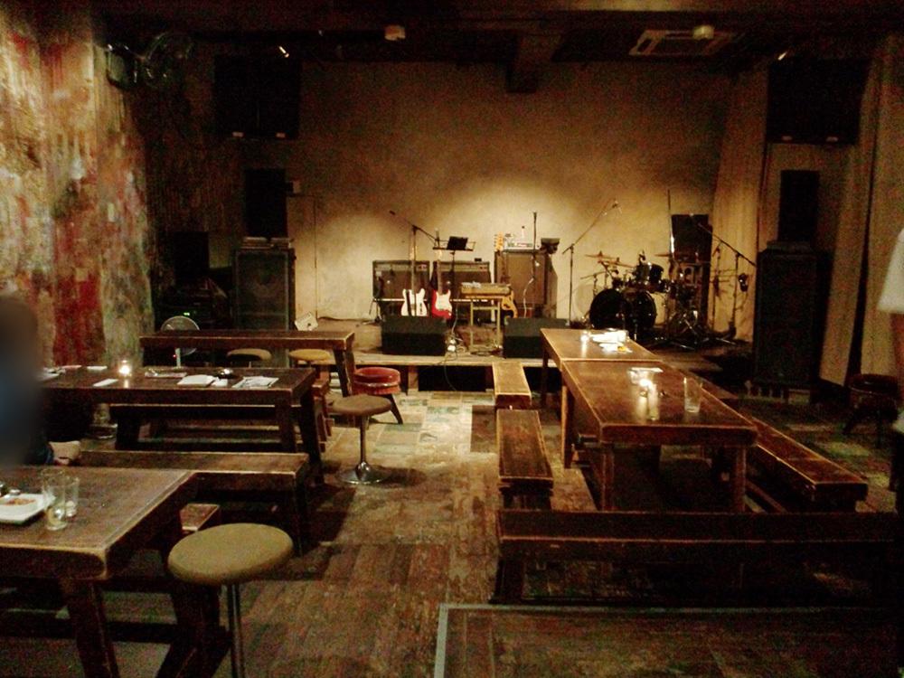 Small urban rock venue